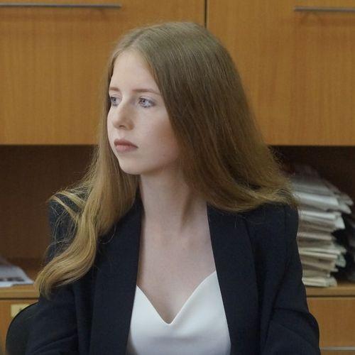 Алешникова Алина